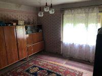 Eladó családi ház, Gadányban 5.9 M Ft, 4 szobás