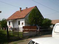 Eladó családi ház, Adácson 6.8 M Ft, 2+1 szobás