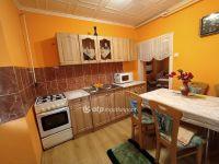 Eladó családi ház, Akasztón 8.9 M Ft, 2 szobás