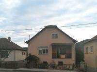 Eladó családi ház, Arlón 12 M Ft, 4+1 szobás