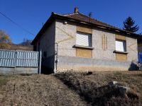 Eladó családi ház, Apcon 7 M Ft, 2 szobás / költözzbe.hu