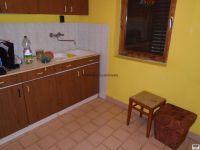 Eladó családi ház, Újudvaron 4.5 M Ft, 1 szobás