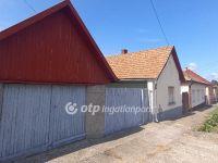 Eladó családi ház, Apcon 10.7 M Ft, 2+2 szobás