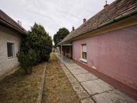 Eladó családi ház, Veszprémben 18.5 M Ft, 4+2 szobás