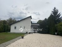 Eladó családi ház, Százhalombattán 75 M Ft, 5 szobás