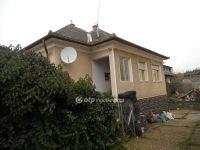 Eladó családi ház, Egerben 41.9 M Ft, 6 szobás