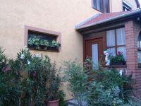 Eladó családi ház, Székesfehérvárott 55.9 M Ft, 6+1 szobás