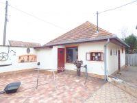 Eladó családi ház, Kiskunhalason 34.5 M Ft, 3+1 szobás