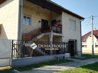 Eladó családi ház, Bernecebarátiban 18 M Ft, 4 szobás