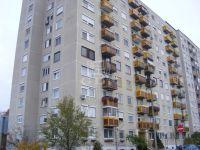 Eladó panellakás, Szolnokon 17.9 M Ft, 2+1 szobás