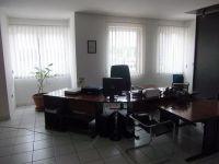 Kiadó iroda, Pápán 154 E Ft / hó, 3 szobás