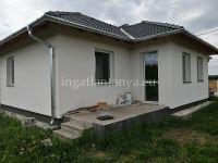 Eladó családi ház, Taksonyon 54 M Ft, 5 szobás