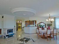 Eladó családi ház, Hévízen 150 M Ft, 6 szobás