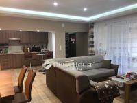 Eladó családi ház, Dánszentmiklóson 39.9 M Ft, 2+3 szobás