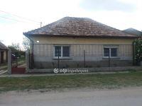 Eladó családi ház, Abában 17 M Ft, 2 szobás