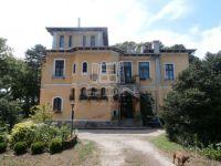 Eladó családi ház, Székesfehérvárott 420 M Ft, 13 szobás