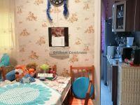 Eladó panellakás, Veszprémben 28.9 M Ft, 4 szobás