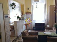 Eladó családi ház, Gyulán 26.5 M Ft, 8 szobás