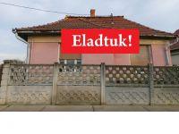 Eladó családi ház, Viszneken 2.8 M Ft, 2 szobás