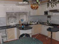 Eladó családi ház, Ajkán 75 M Ft, 12 szobás