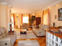 Eladó családi ház, III. kerületben 199 M Ft, 7 szobás