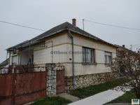 Eladó családi ház, Ajkán 12.9 M Ft, 4 szobás