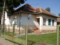 Eladó családi ház, Átányon 4.4 M Ft, 3+1 szobás
