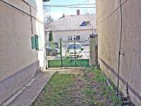 Eladó családi ház, Budakeszin 34 M Ft, 2 szobás