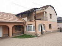 Eladó családi ház, Dunaszentmiklóson 64.9 M Ft, 5 szobás