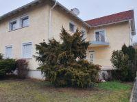 Eladó családi ház, Budaörsön 210 M Ft, 11 szobás