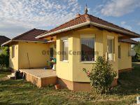 Eladó családi ház, Zsirán 36.5 M Ft, 2 szobás