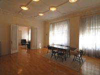 Eladó téglalakás, VI. kerületben 100 M Ft, 5 szobás