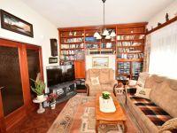 Eladó családi ház, Veszprémben 99 M Ft, 6+1 szobás