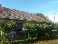 Eladó családi ház, Abában 7.6 M Ft, 2 szobás