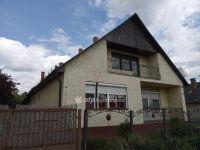Eladó családi ház, Gödöllőn 59 M Ft, 6 szobás