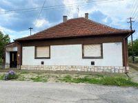 Eladó családi ház, Bácsalmáson 5 M Ft, 3 szobás