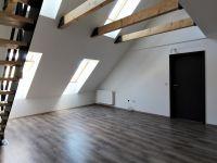 Eladó téglalakás, Pécsett 39.2 M Ft, 3+2 szobás