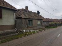 Eladó családi ház, Ajkán 2 M Ft, 1+1 szobás