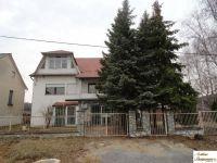 Eladó családi ház, Arlón 4.9 M Ft, 5 szobás