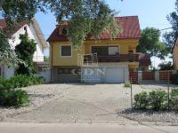 Eladó családi ház, Székesfehérvárott 119 M Ft, 6+2 szobás