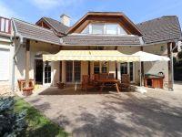 Eladó családi ház, Telkin 94.7 M Ft, 6+1 szobás