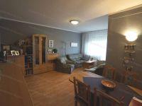 Eladó panellakás, Veszprémben 27.7 M Ft, 1+3 szobás