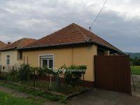 Eladó családi ház, Vécsen 5.5 M Ft, 1 szobás