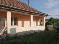 Eladó családi ház, Abasáron 7.5 M Ft, 2 szobás