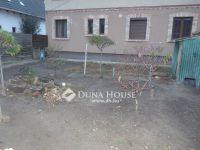 Eladó családi ház, Vecsésen 12 M Ft, 2 szobás