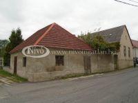 Eladó családi ház, Veszprémben 15 M Ft, 3 szobás