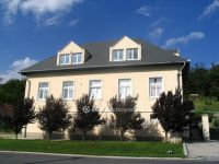 Eladó családi ház, Alcsútdobozon 190 M Ft, 9+2 szobás
