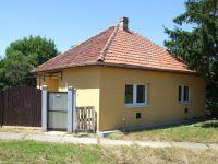 Eladó családi ház, Gyulán 9.9 M Ft, 2 szobás