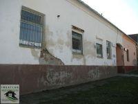 Eladó üzlethelyiség, Kiskassán 4 M Ft, 5 szobás