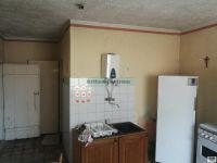 Eladó családi ház, Ajkán 2.9 M Ft, 2 szobás